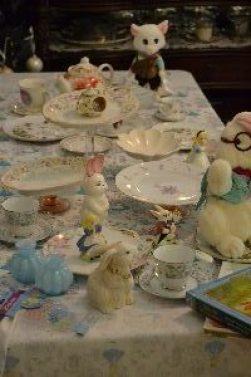 Alice Table_small