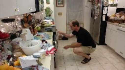 Gordon baking the cookies_small