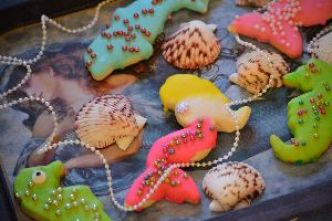 mermaid tray with cookies_small