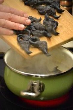 boil-devil-nuts_small
