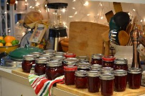 our 2016 batch of canned cranberry sauce_small