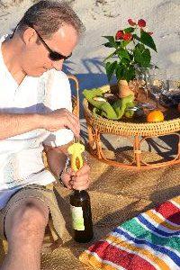 Gordon opening the wine_small