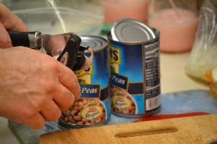 z open the cans and dump out the liquid_small