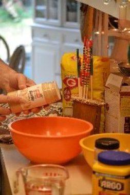 9 adding garlic powder_small