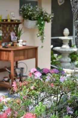 A potting bench and fountain_small