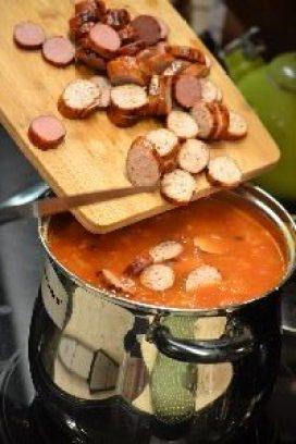Gordon making the soup_small