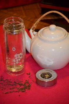 Double_wall_glass_tea_infuser._small