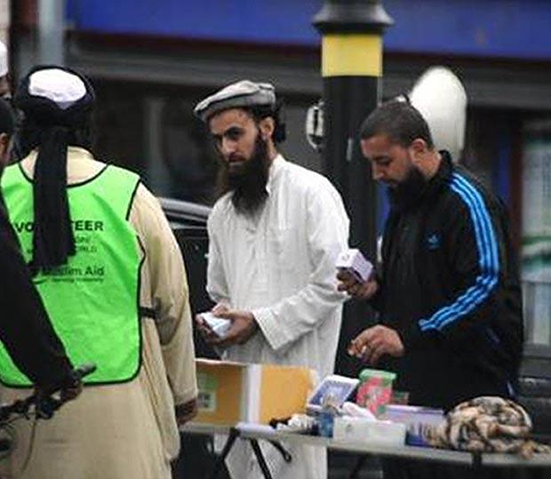 Irfan Naseer, Irfan Khalid and Ashik Ali fundraising for terror in the street