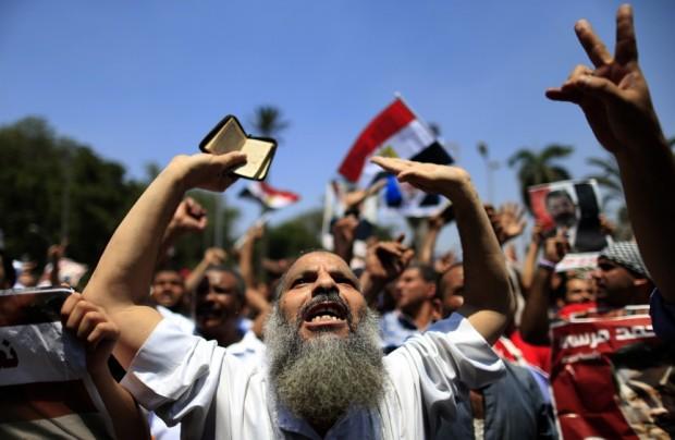 pro-Morsi-protest-620x404