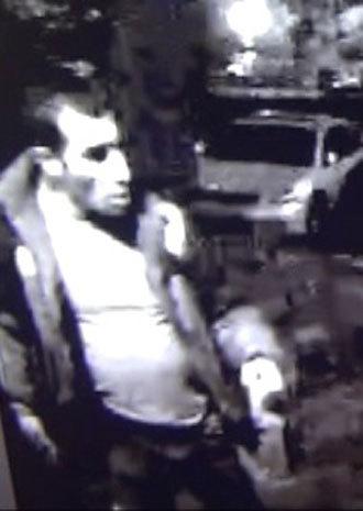 Sospechoso en el asesinato de Egor Shcherbakov (Foto de la cámara de circuito cerrado de televisión en la versión publicada por el Ministerio de Asuntos de Interior)