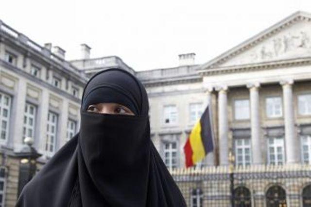 belgium-burqa-ban-04-29-10