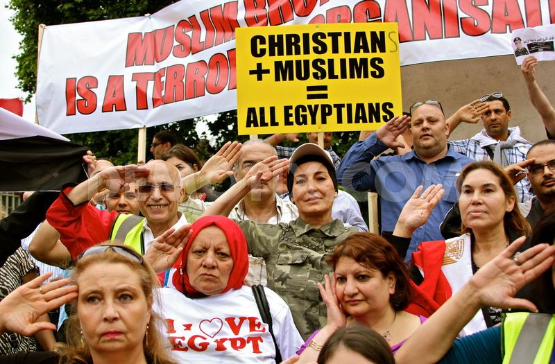 1376905691-uk-egyptians-protest-against-muslim-brotherhood-in-egypt--london_2456103