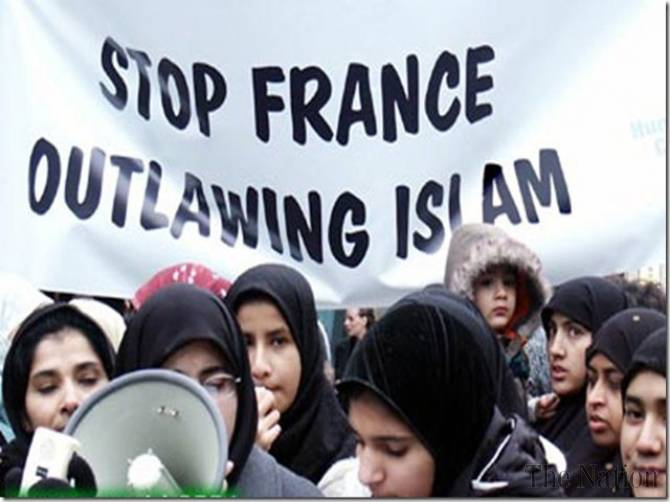 france-moves-to-toughen-ban-on-religion-in-schools-1378756846-7968