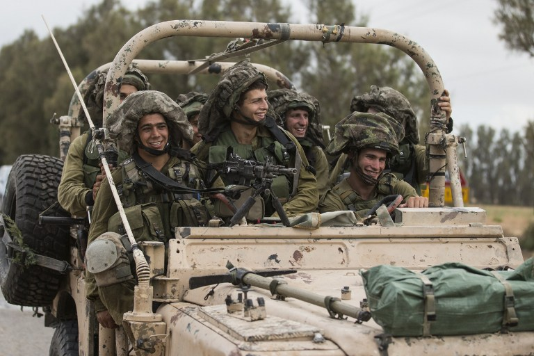 IDF soldiers rolling into Gaza