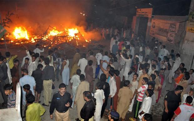 pakistan-mob-2_2988618b