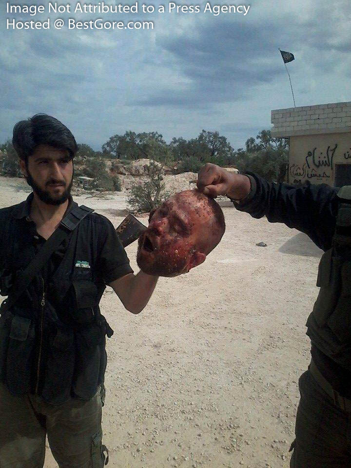 syria-army-soldier-executed-in-idlib-03