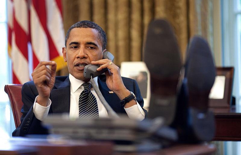 wikiwhite_house_800px-barack_obama_on_phone_with_benjamin_netanyahu_2009-06-08