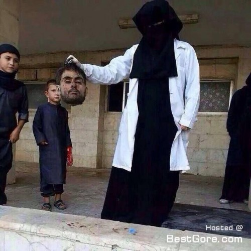 21-year-old-british-woman-join-isis-photo-hold-severed-head-syria-500x500