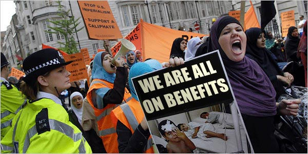 muslim-terrorists-wives-welfare-benefits1