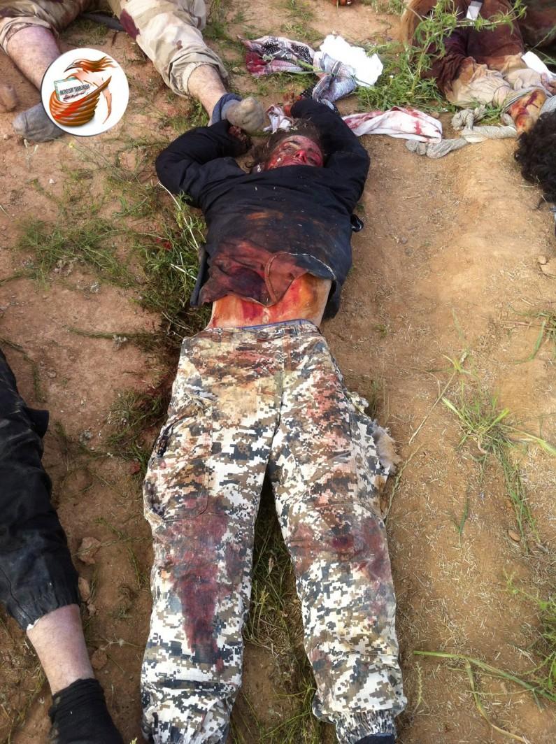 Militantes de ISIS se disfrazan de mujer para desertar de grupo terrorista LiveLeak-dot-com-35c_1430166642-16_1430166994-e1430330989647