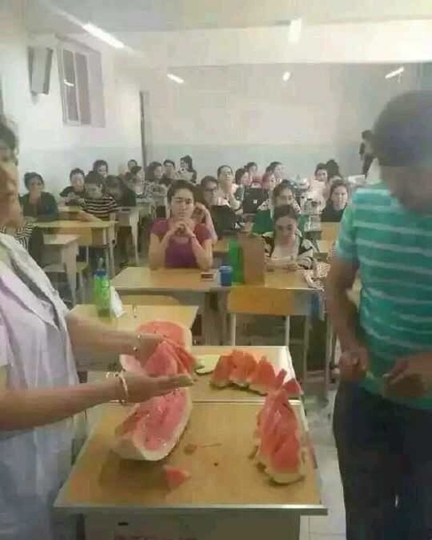 China-forces-students-to-eat-during-Ramadan