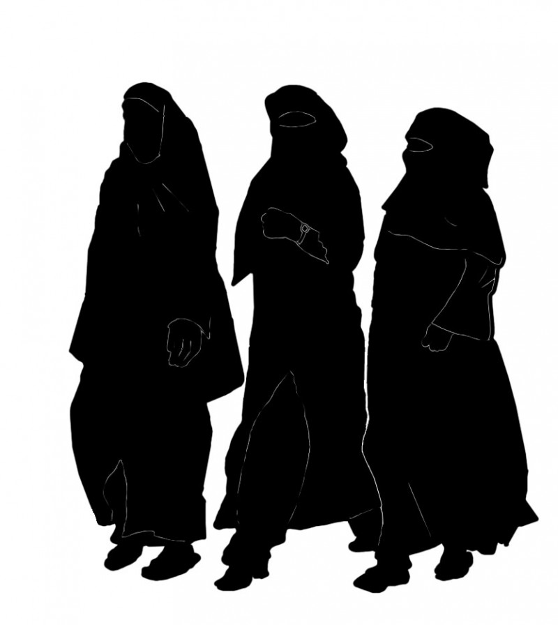 three-muslimahs-in-hijaab