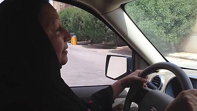 Muslim headbags block peripheral vision