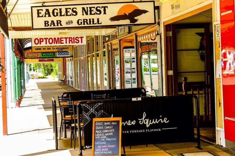 Eagles-Nest-Bar-and-Grill-e1419121515383