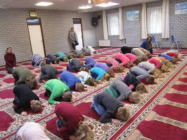 islamic_brainwashing_kids-vi