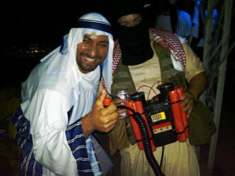 Radical-Muslim-Halloween-Costume