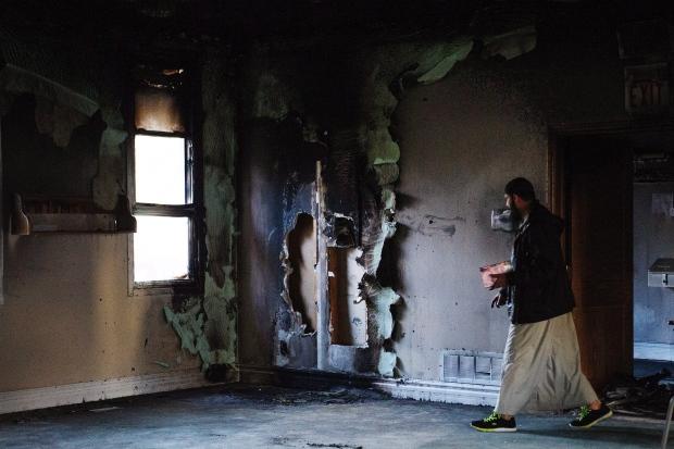 mosque-fire-20151115