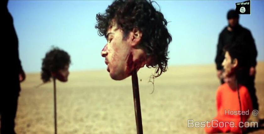 five-men-beheading-isis-iraq-head-impalement-spike-840x428