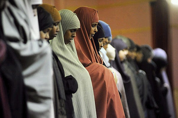 somali_women_prayer