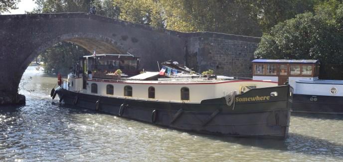 'Somewhere' entering Castelnaudary Port