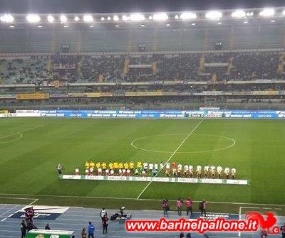 """Uno scatto della gara di andata al """"Bentegodi"""" tra il Verona ed il Bari"""
