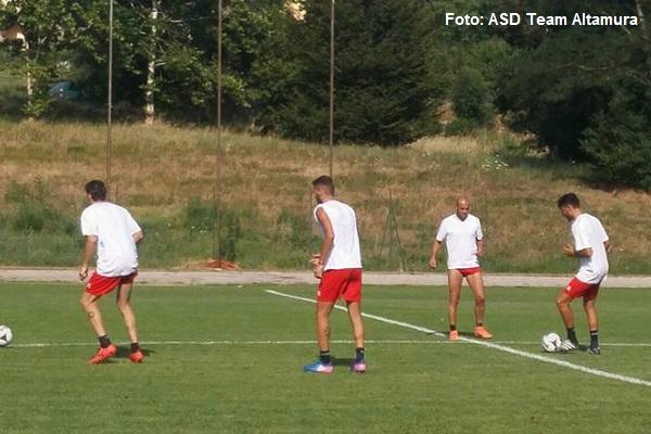 I giocatori della Team Altamura impegnati a Sarnano nelle Marche