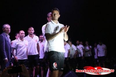 Fabio Grosso e i calciatori del Bari