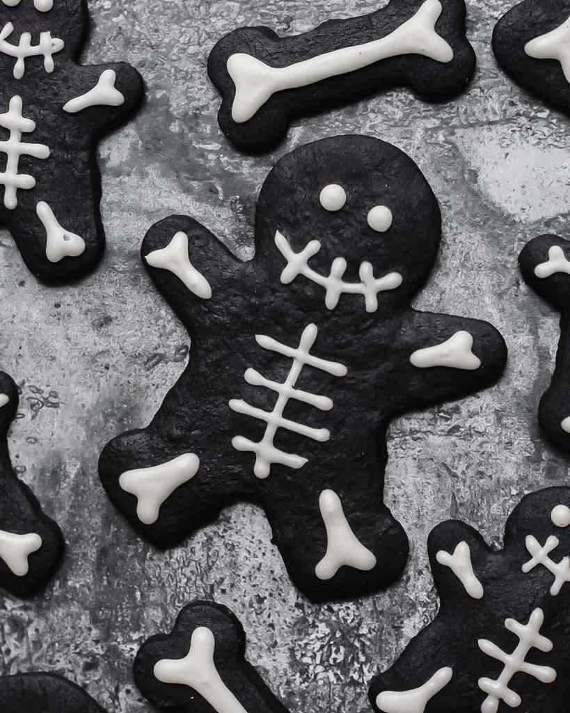 black cocoa skeleton cookies for halloween