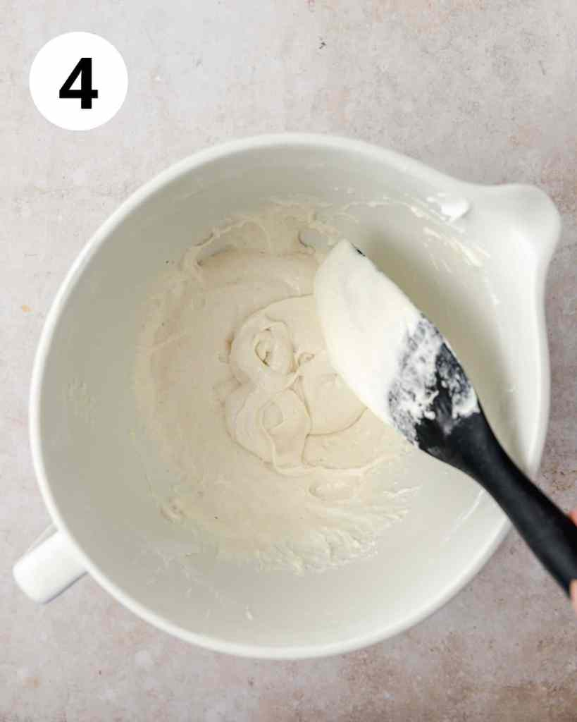 making a figure 8 with the macaron batter