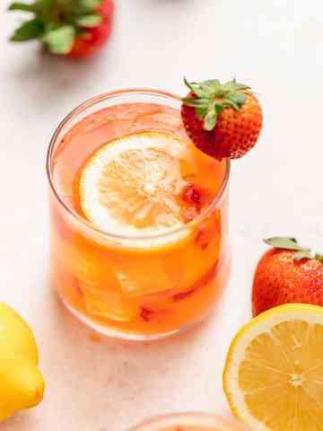 strawberry lemonade with vodka
