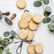 close up shot of brown butter maple shortbread cookies