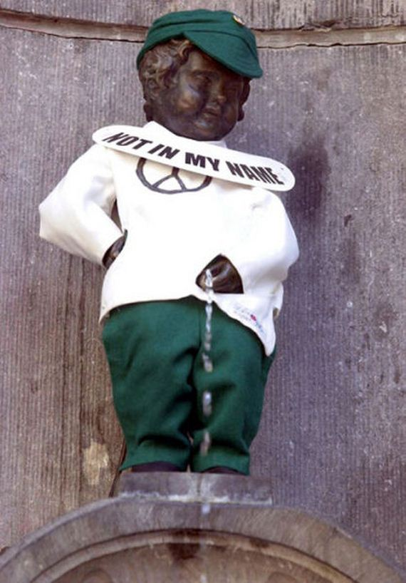 The Outfits Manneken Pis Wears Barnorama