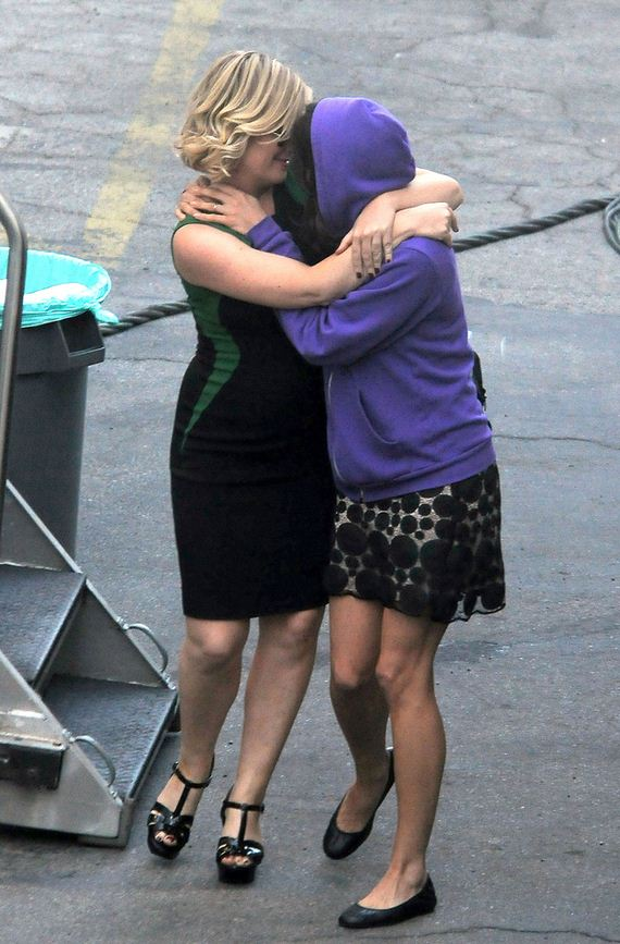 Amy Poehler And Aubrey Plaza Make Out For The Paparazzi
