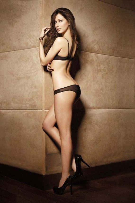 Jennifer Hernandez Sexy Pics Barnorama