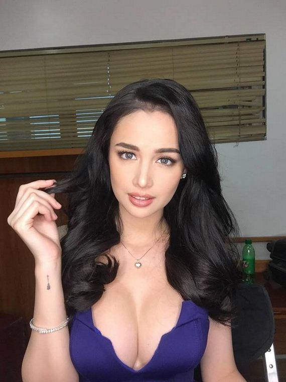 Filipino Sexy Actress Kim Domingo Barnorama