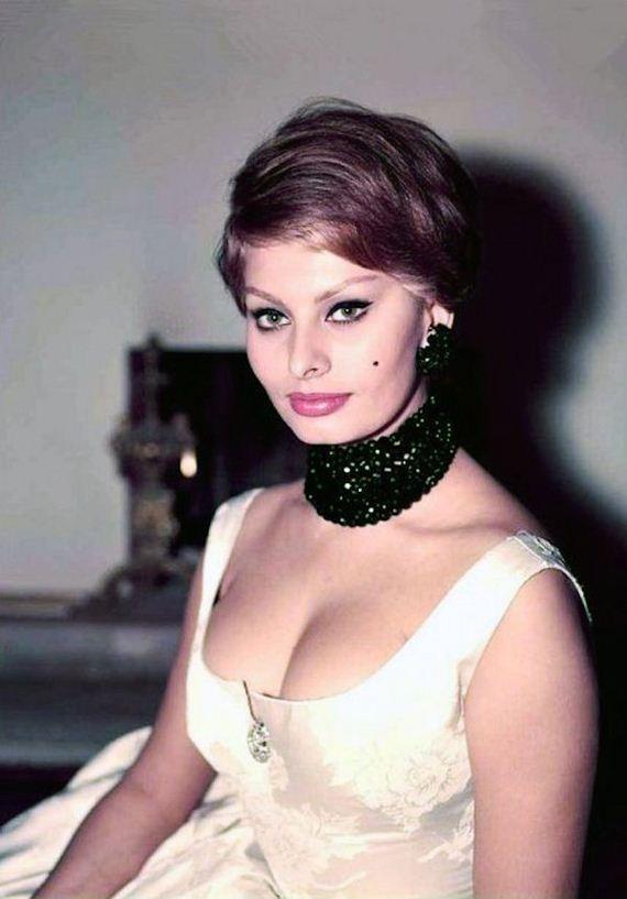 Sophia Loren Nude Barnorama