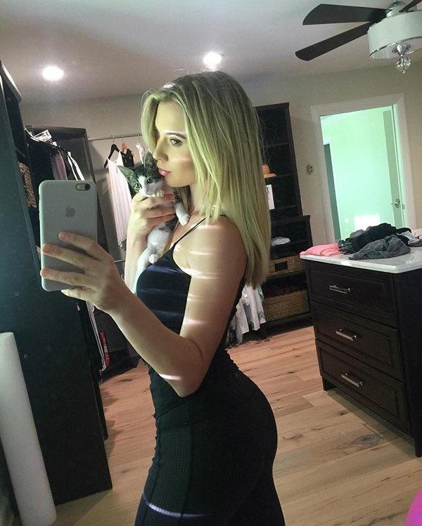 Hot Golfer Lucy Robson Barnorama