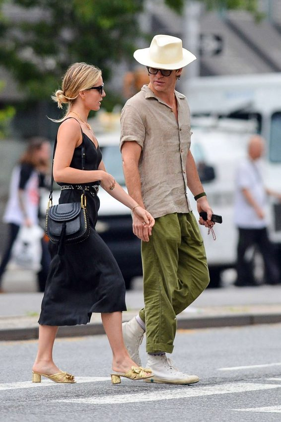 Annabelle Wallis And Chris Pine In Nyc Barnorama