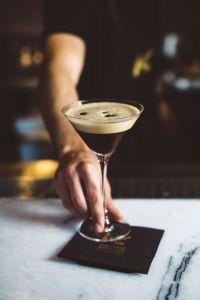 kokteyllerin sınflandırılması-espresso martini cocktail
