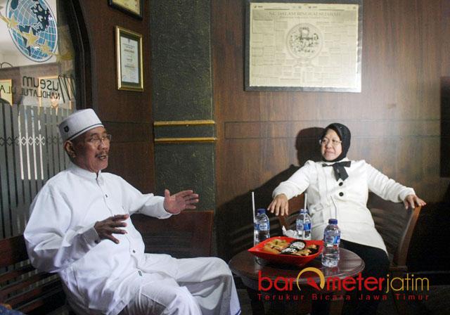 RISMA TAK MAJU PILGUB JATIM: Choirul Anam dan Tri Rismaharani saat menggelar pertemuan di Museum Nahdlatul Ulama (NU) Surabaya, Senin (8/1).   Foto: Barometerjatim.com/ROY HASIBUAN